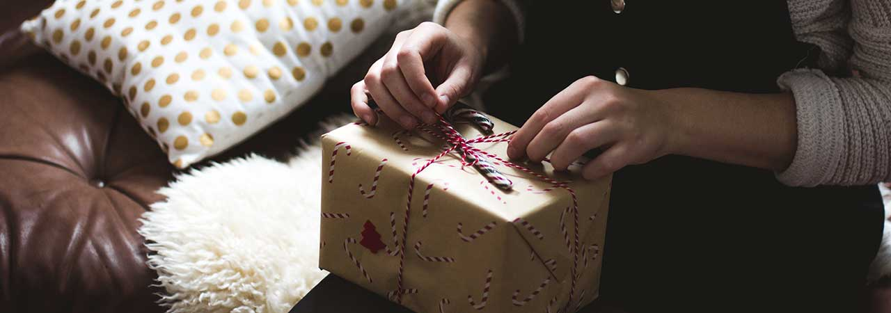 Stuck for what present to get the writer in your life? Here's some suggestions.