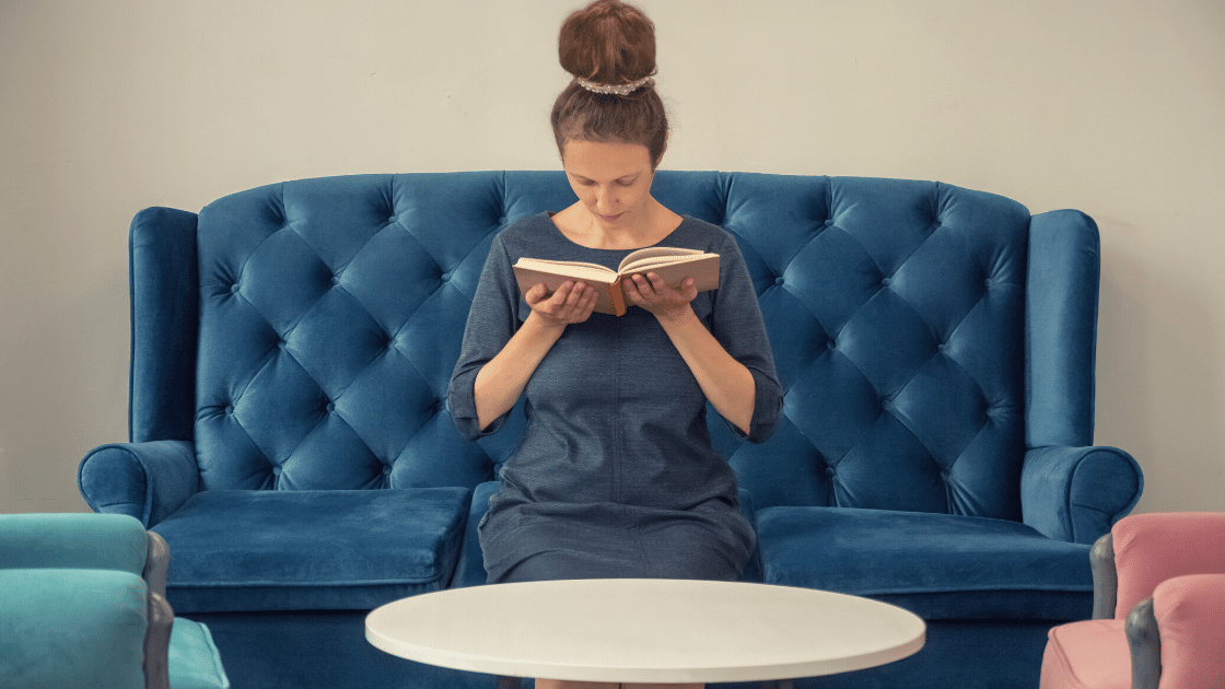 From Scratch to Stardom: Your Guide in Becoming a Best-Selling Author in 2021